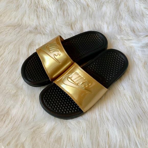 newest e1982 edc89 🔥CLEARANCE 🔥 Nike Women's Benassi JDI Sandals NWT